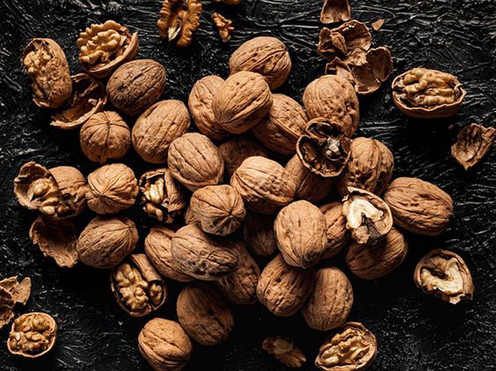 Настойки, жиры, орехи, сухофрукты, специи… Их польза